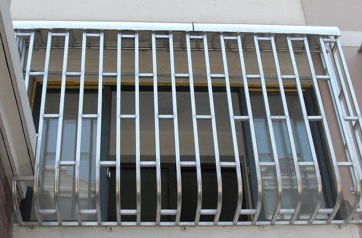 手持激光焊机助力不锈钢门窗焊接